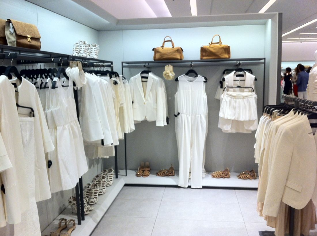 магазин одежды зара в москве салонов красоты